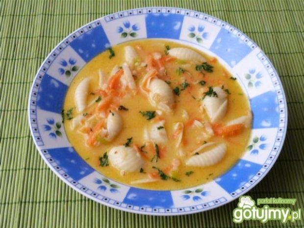 Przepis  zupa warzywna z żółtym serem przepis