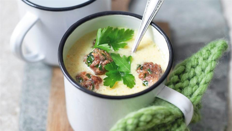 Przepis na zupę serowo-jarzynową z klopsikami