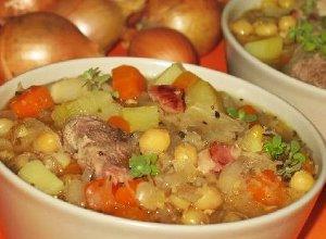 Zupa grochowa z kapustą  prosty przepis i składniki
