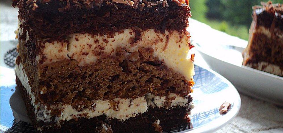 Ciasto czekoladowe z wkładką wafelkowo