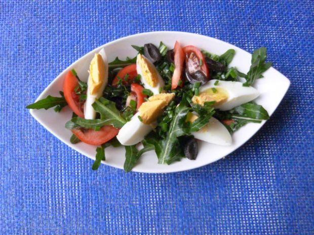 Przepis  sałatka z rukoli, pomidorów i jajek przepis
