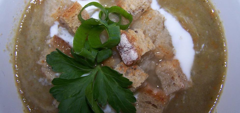 Zupa z nóżek od pieczarek z grzankami (autor: caralajna ...