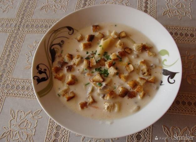 Zupa-krem z serków topionych i pieczarek
