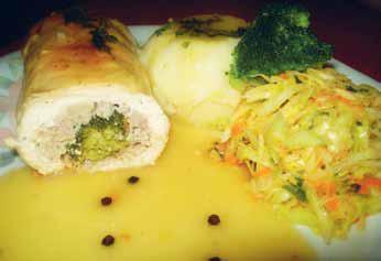 Roladki z brokułami w sosie pieprzowym