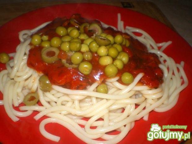 Przepis  spaghetti toscana z kiełbasą i groszkiem przepis