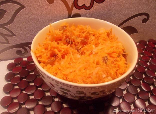 Surówka z marchewki i gruszki