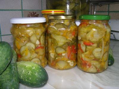 Sałatka z ogórków i papryki (na zimę)
