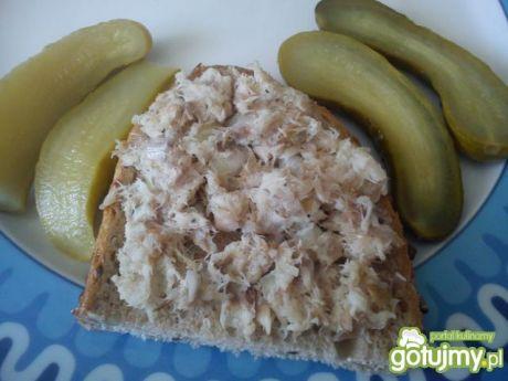 Przepis  sałatka z makreli z cebulką na kanapkę przepis