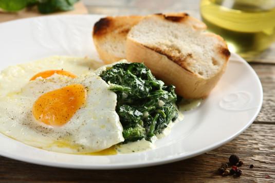 Szpinak z jajkiem
