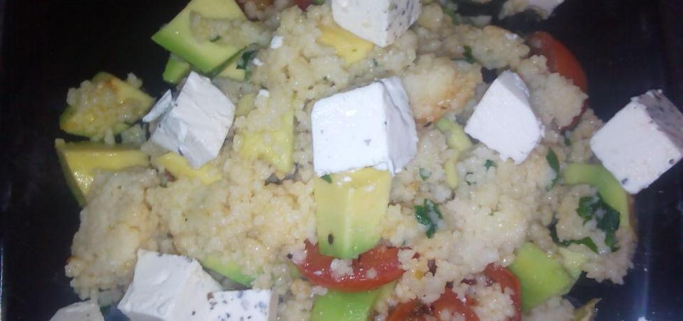 Salatka z kuskusem i awokado (autor: justynkag)