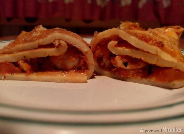 Naleśniki z kurczakiem i sosem bolognese