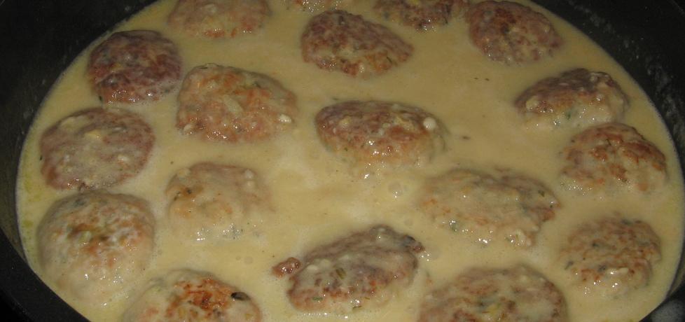 Klopsy drobiowe w sosie cebulowym (autor: medi)