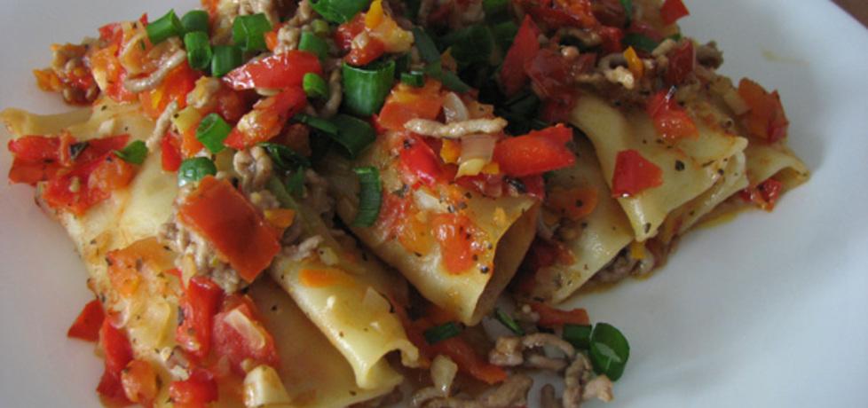 Cannelloni z mięsem mielonym z sosem pomidorowo