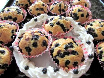 Jogurtowe muffinki z jagodami