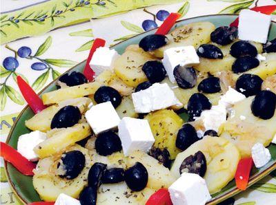 Ziemniaki z fetą i oliwkami
