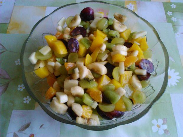 Egzotyczna sałatka owocowa (salatki z owocami)