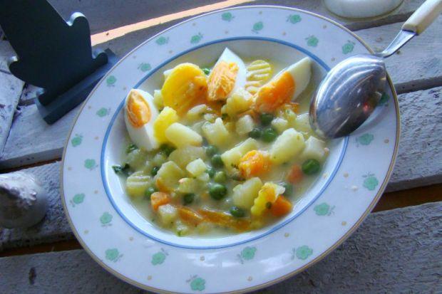 Przepis  wiosenna zupa z jajkiem przepis