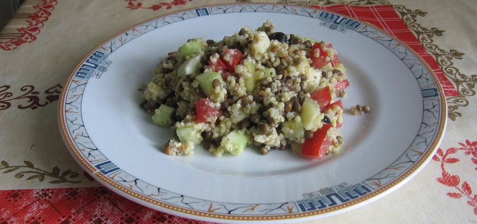 Sałatka z kaszą jaglaną, pomidorem i ogórkiem (autor: ania321 ...