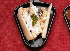 Raclette z indykiem, gorgonzolą i gruszką