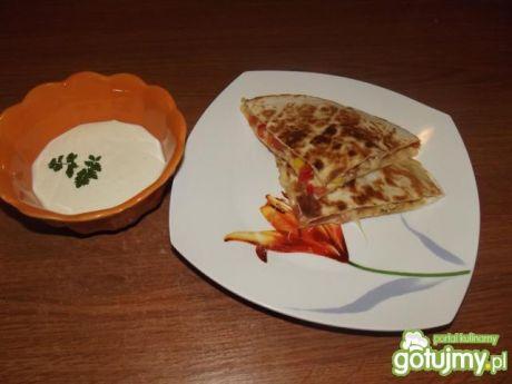 Przepis  quesadilla z kurczakiem i sosem przepis