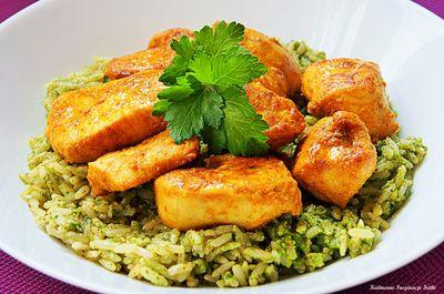 Ryż pełnoziarnisty z pesto pietruszkowym i kurczakiem curry ...