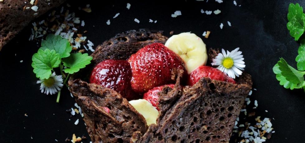 Naleśniki czekoladowe z owocami w karmelu (autor ...