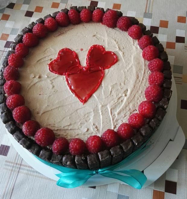 Przepis  tort malinowo-chałwowy przepis