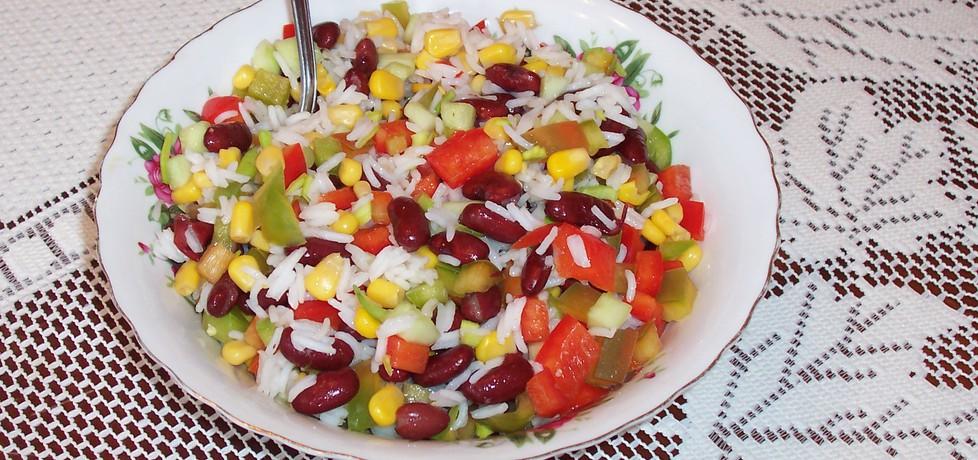 Sałatka z ryżu czerwonej fasoli i papryki (autor: bernadeta1 ...