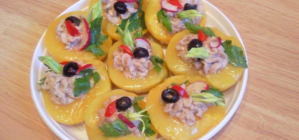 Brzoskwinie faszerowane pastą z tuńczyka (autor: iwusia ...