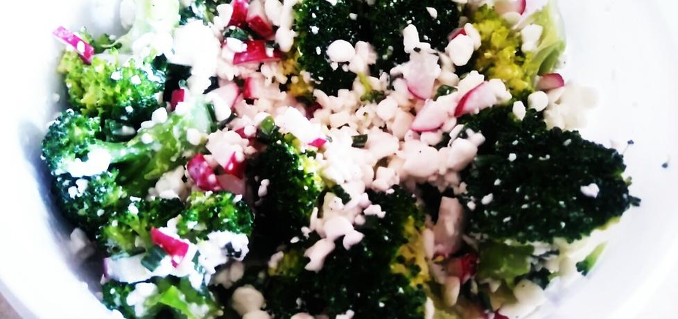 Sałatka z brokułem i serkiem wiejskim (autor: urszulas ...
