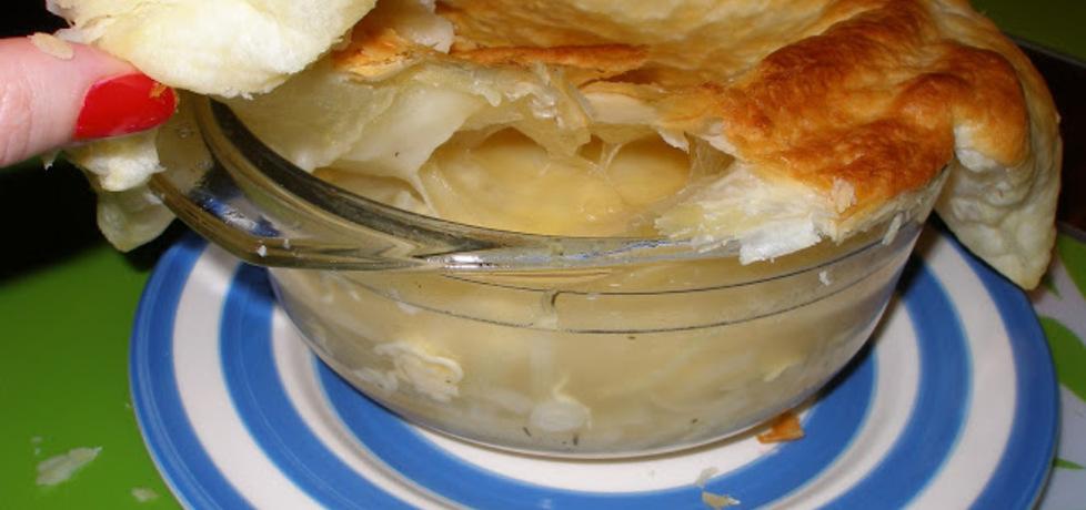 Zupa cebulowa pod ciastem francuskim (autor: marchiochakucharzy ...