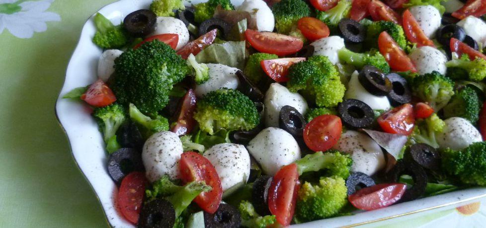 Sałatka z mozzarellą i brokułami (autor: krystyna32 ...