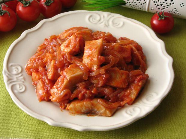Przepis  śledzie w sosie pomidorowym przepis