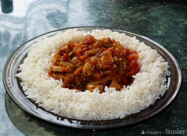 Ryż z sosem chińskim