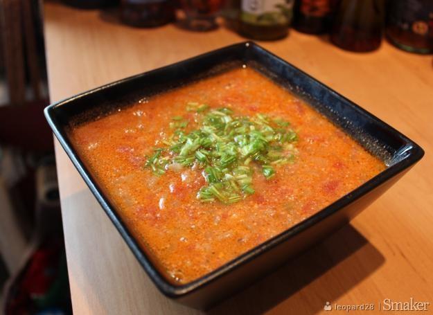 Zupa pomidorowa z nutką jabłkowo-imbirową
