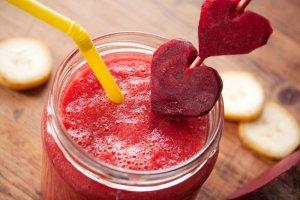 Koktajl z jagód i buraka  prosty przepis i składniki