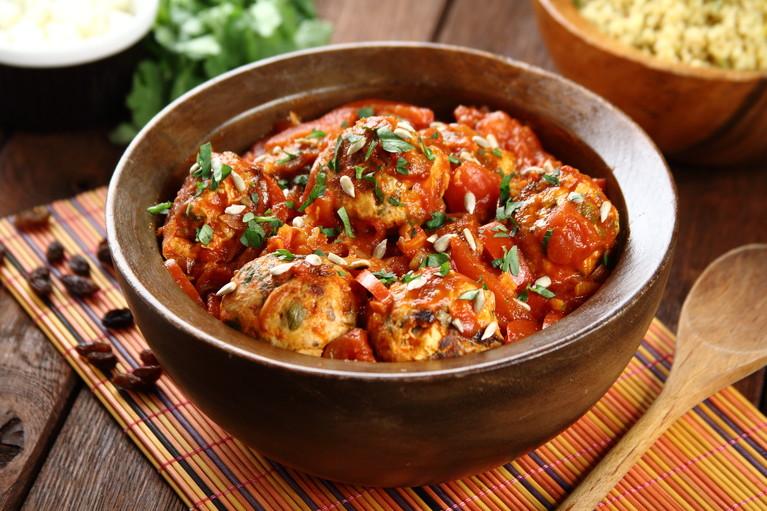 Klopsiki z kurczaka w sosie paprykowo-pomidorowym