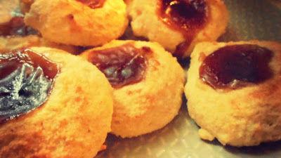 Ciasteczka z kaszy manny z powidłami