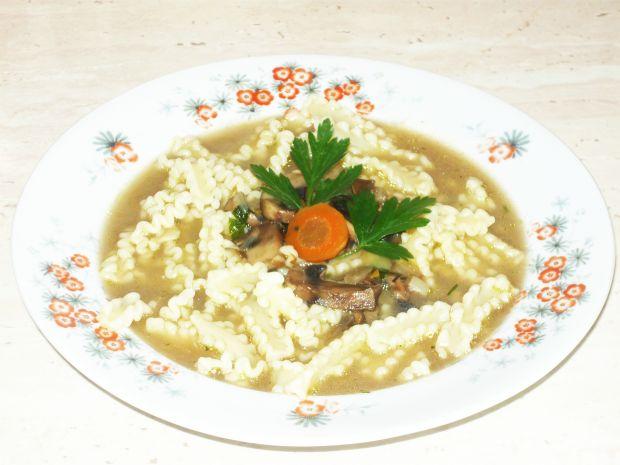 Zupy: zupa pieczarkowa