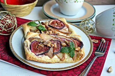 Ciastka francuskie z figą, gruszką i twarożkiem ...
