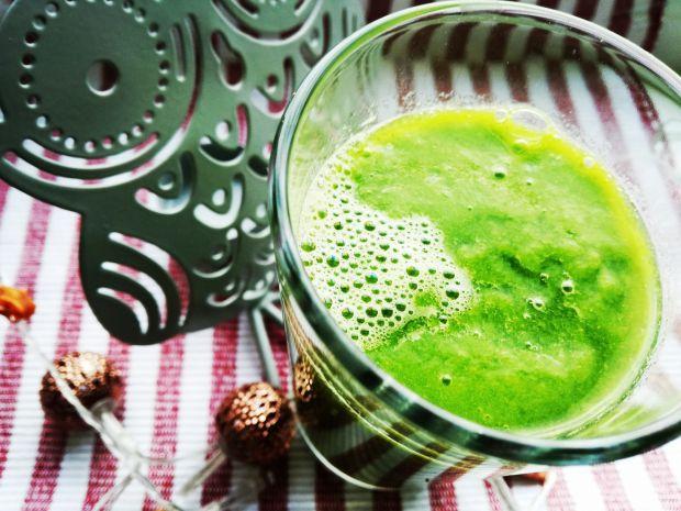 Przepis  zielone smoothie z mango i selerem przepis