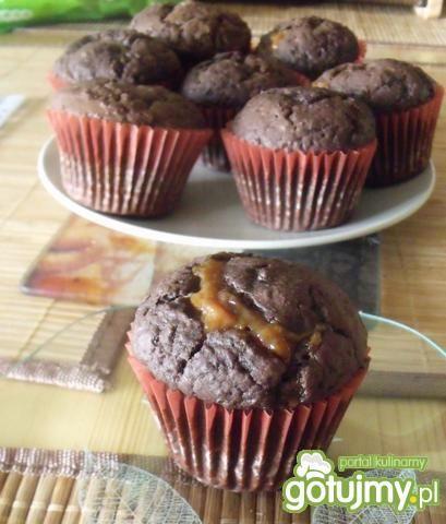 Przepis  czekoladowe muffinki z karmelem przepis