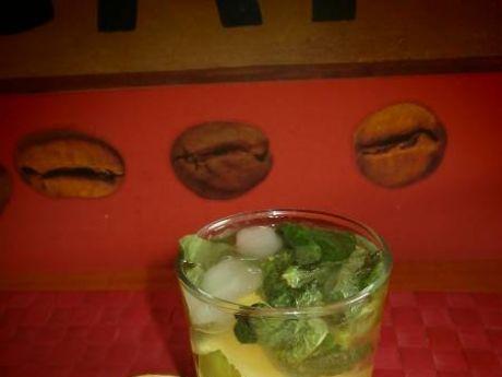 Przepis  drink mojito z rumem,miętą i limonką przepis