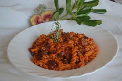 Makaron z chorizo i sosem pomidorowym