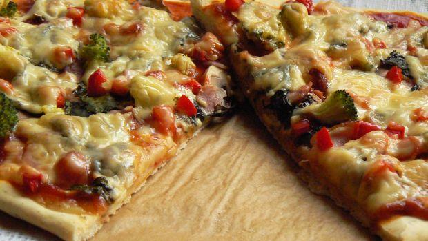 Przepis  pizza z botwinką przepis