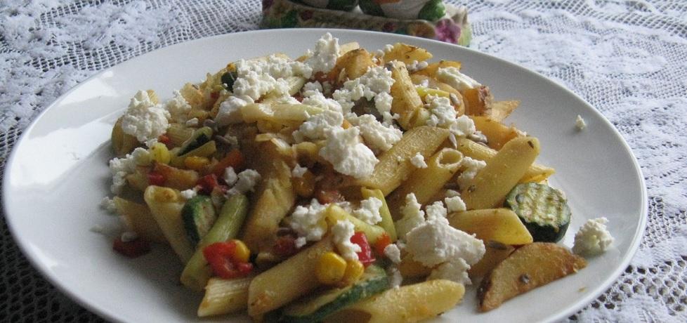 Makaron z warzywami i serem feta (autor: ssylwiaa ...