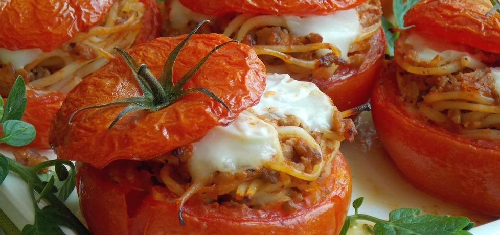 Spaghetti pieczone w pomidorach (autor: mniam)