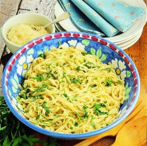 Makaron z ziołowym sosem  prosty przepis i składniki