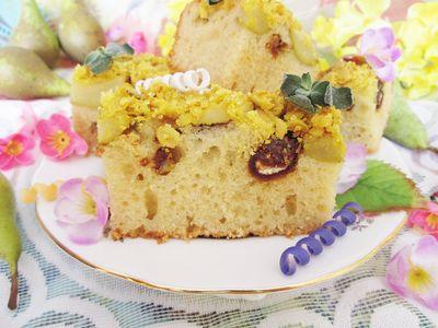 Ciasto twarogowe z gruszkami, daktylami i kruszonką z kurkumą ...