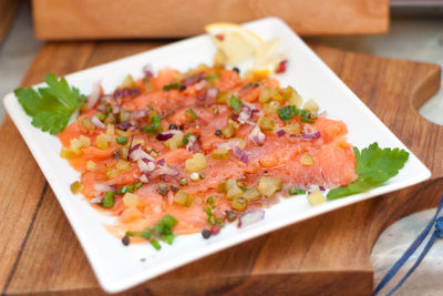 Carpaccio z wędzonego łososia